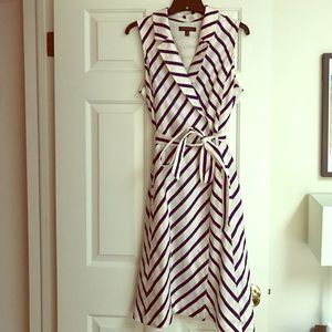 Like New blue/white striped BR summer dress